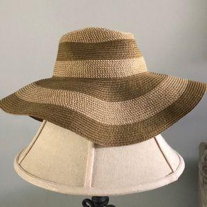 D&Y Accessories - 👒 Floppy sun hat 👒